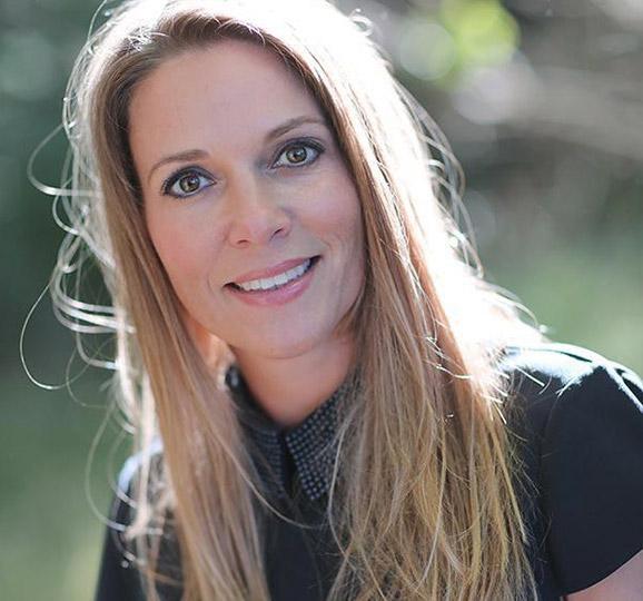 Chantelle van Vliet Massage Light therapy